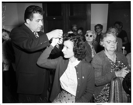 Braille Institute hair style class, 1952