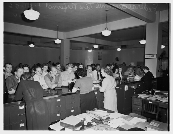 Federal income tax refunds ... Federal Building, Room G8, 1952