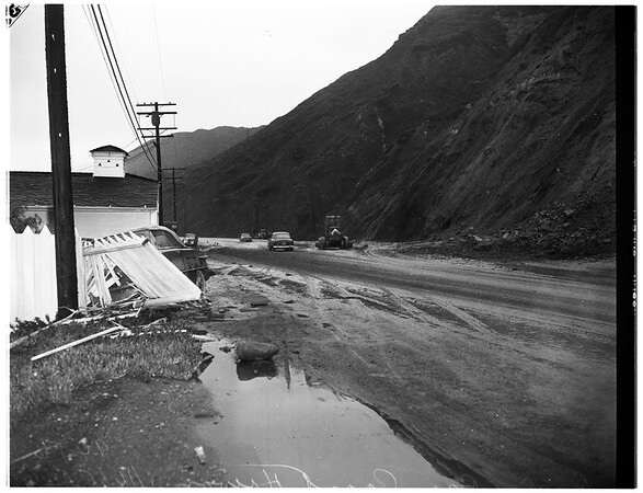 Malibu landslides, flood and rain, Pacific Coast Highway rain, 1952