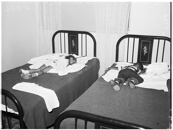 Mother kills her three children (slashed throats with butcher knife), 1952