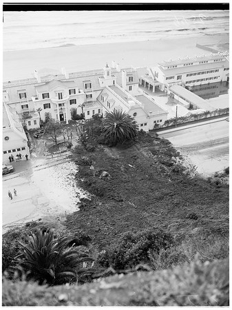 Santa Monica landslide...General views, 1952