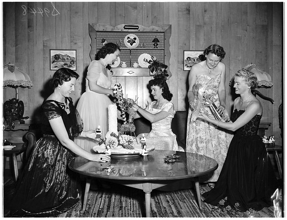Women's auxiliary, Los Angeles Dental Society planning cocktail and buffet party, 1951