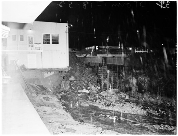 Storm in Temple City, 1952