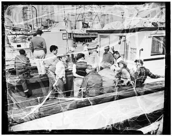 Anglers rescued from boat, 1952