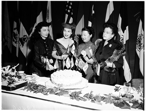 Pan-American League women hold party at Wilshire Chamber of Commerce, 1951