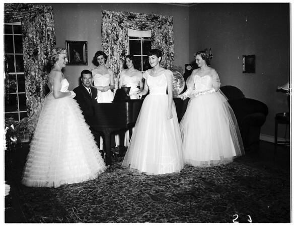 La Canada Thursday Club debs planning ball, 1951