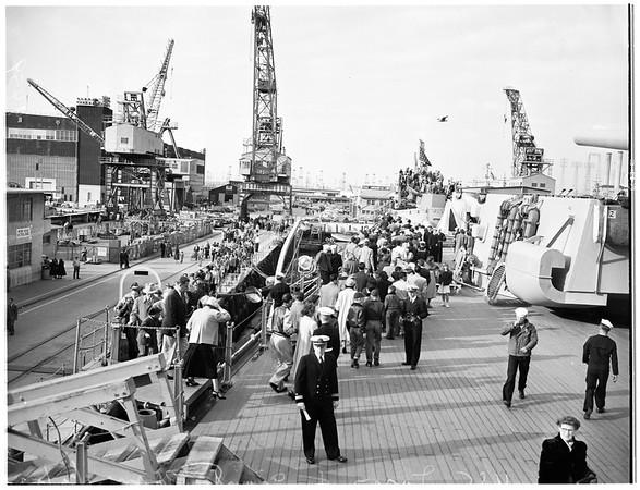 Giant crane, 1952