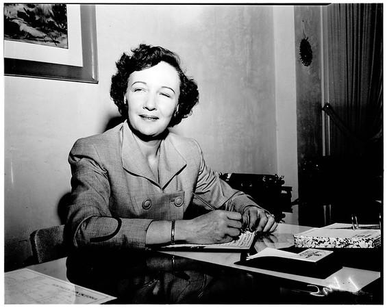 Huntington Park business woman, interview, 1952.