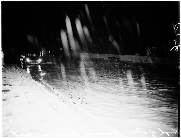 High water on Ramona Freeway (Freeway 10?), just West of Atlantic Boulevard, 1952