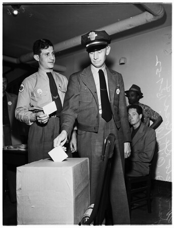Street car workers vote, 1952