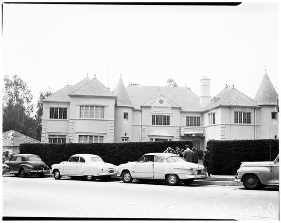 Woman found dead in alley (610 Bonnie Brae Avenue), 1952
