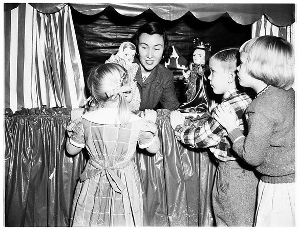 Children's party given by Los Angeles Junior League at Beverly Hills Hotel, 1951