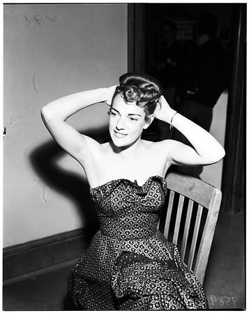 Peggy Munro Stevens (divorce), 1952