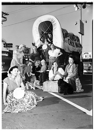 Kate Crutcher players hold dress rehearsal for show, 1951