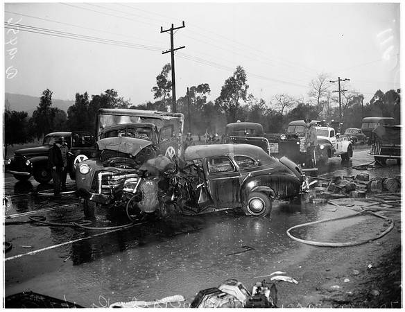 Traffic accident on Riverside Drive near Roger Young Village, 1952