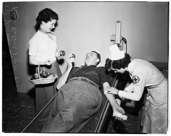 Apples for blood donors, 1952