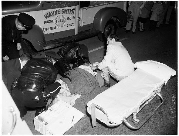 Santa Monica pedestrian hit (Wilshire Boulevard and 9th Street, Santa Monica), 1952
