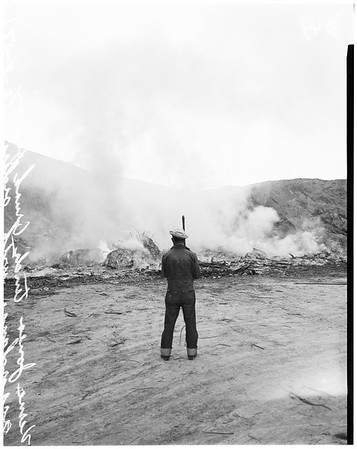 Los Angeles City dump burning in violation in Chavez Ravine, 1951