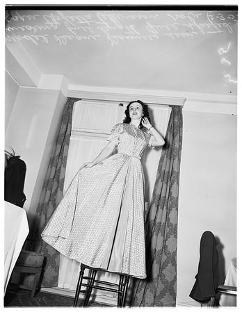 Lingerie show, 1952