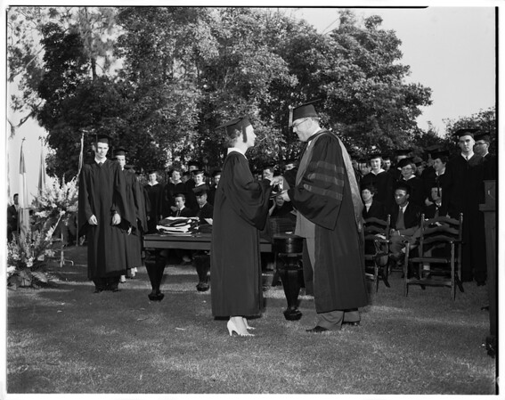 Whittier College graduates, 1952