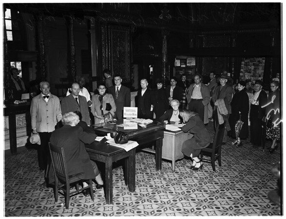 Last day registrants (Examiner lobby), 1952