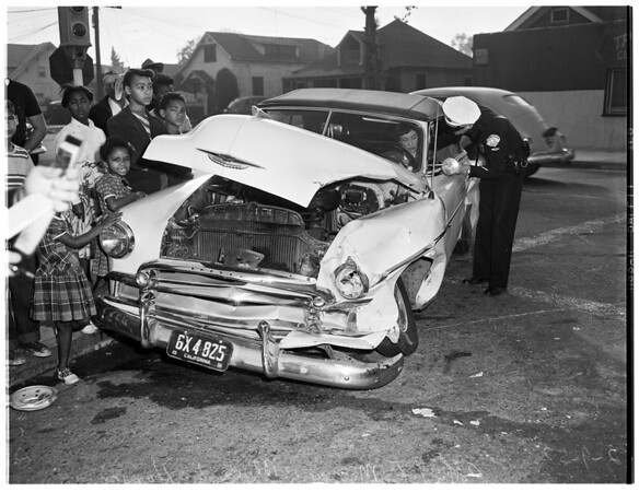 Traffic accident at 36th Place and Western Avenue, 1952