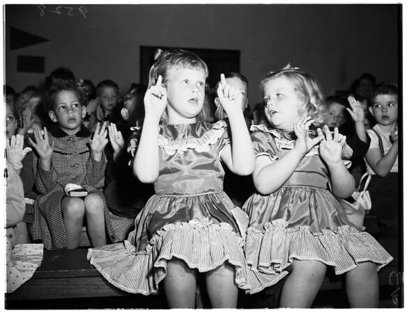 Hope Union Church, Rosemead, wins grand award in Sunday School Attendance ...New Auditorium under sonstruction, 1952