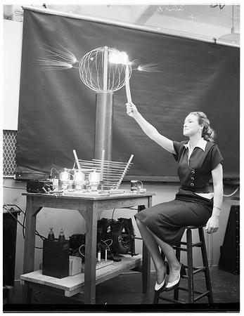 University of Southern California School of Engineering open house, 1952