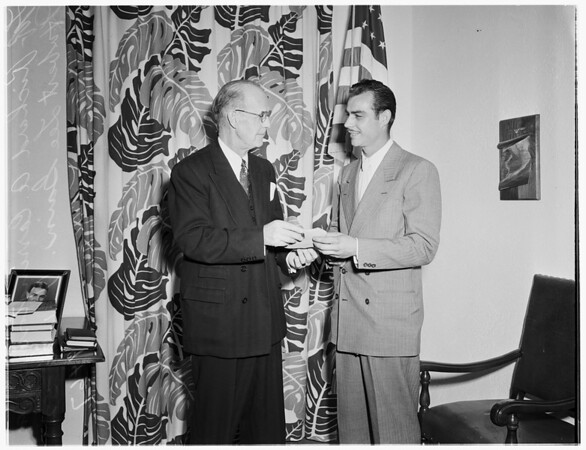 Examiner hero award, 1952