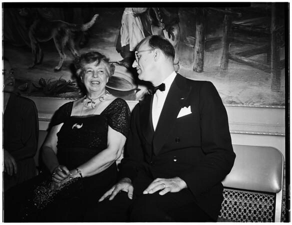 Humanitarian award for Mrs. Eleanor Roosevelt, 1952