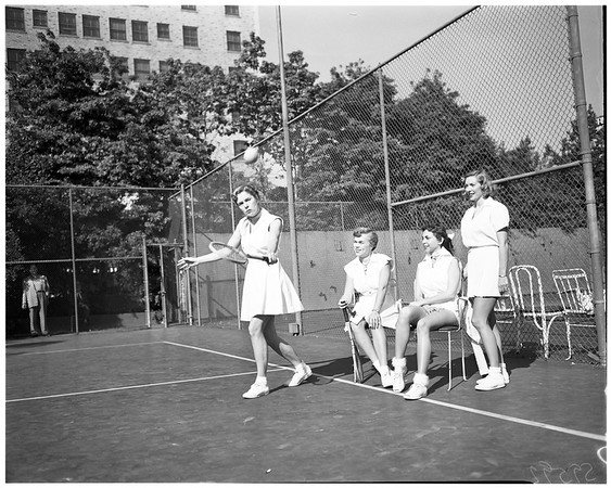 Tennis and Crumpet Club, 1952