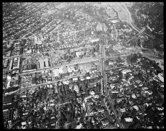 Aerial views of Rose Parade, 1952