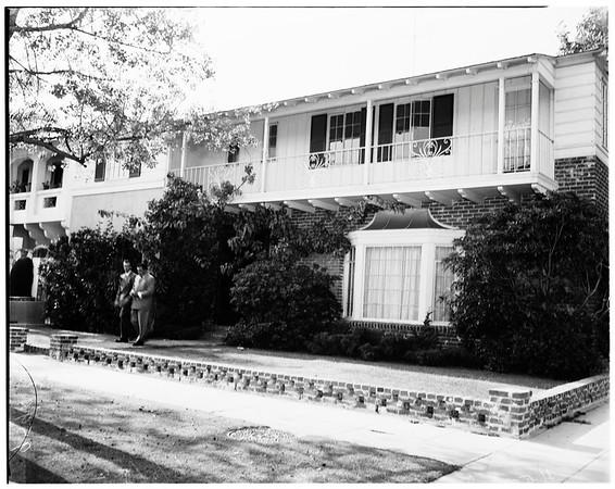 Madeleine Robinson death (9361 West Olympic Boulevard, Beverly Hills), 1952