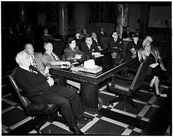 Smog day at City Council, 1948