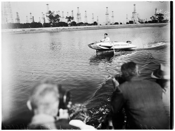 Freak boat that flies on stilts, 1952
