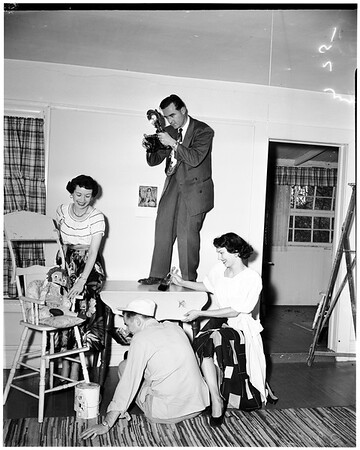 Women's Club of Hollywood preparations for junior's carnival, 1952