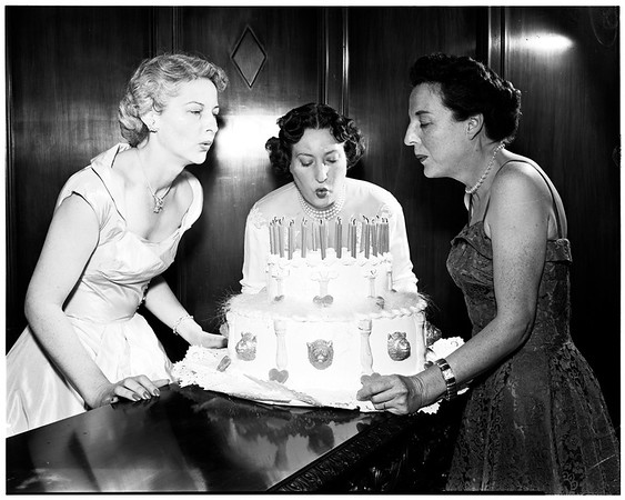 Social Service Auxiliary planning spring dance, 1952
