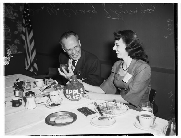 Apple polishing dinner (Delta Kappa Phi Sorority of Compton City College), 1952