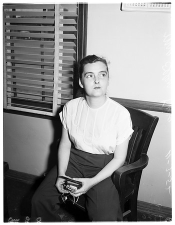 Mother returns to abandoned children, 1952