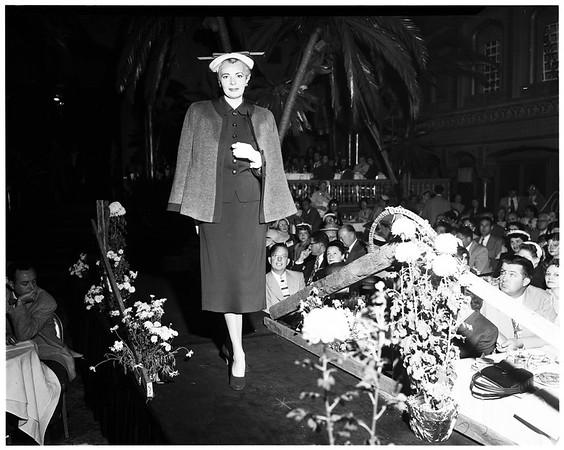 Fashion show at Ambassador Hotel, 1952