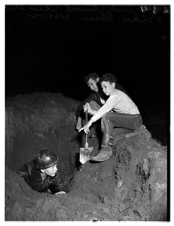 Boy trapped in cave-in, 1952
