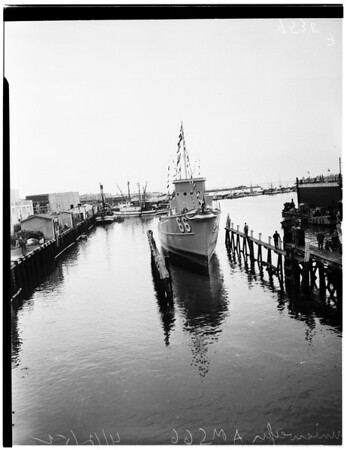 Minesweeper launched (Harbor Boat Building Company), 1952