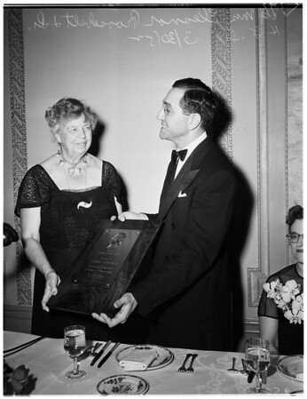 Humanitarian award for Mrs. Eleanor Roosevelt, 1952