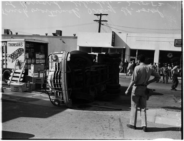 Egg truck overturns, 1952