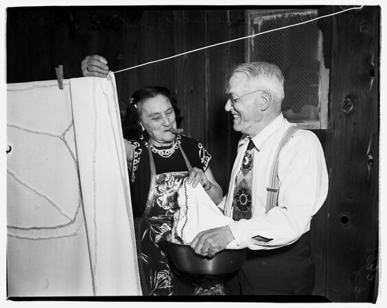 Oldsters marry (4537 West Imperial Highway), 1952