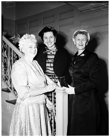 Social service sisters plan silver anniversary tea at the home of Mrs. Guy Earl, 134 South Hudson Avenue, 1952