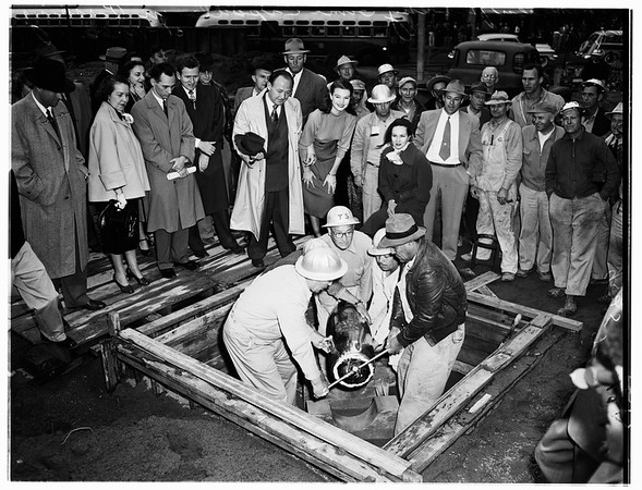 Time capsule planting (Pershing Square), 1952