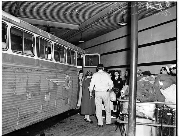 Strike ... Greyhound buses, 1952