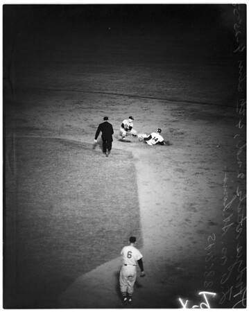 Baseball -- Dodgers versus Cardinals, 1958