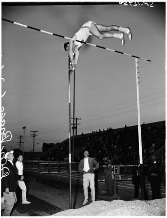 Compton Invitational track and field meet, 1961